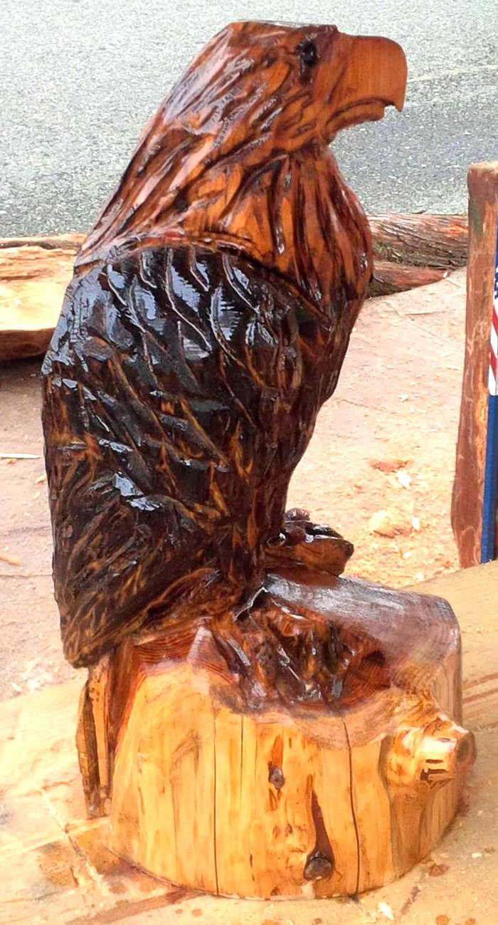 2013-11-10-Eagle-Chainsaw-Carved-Eagle-1.jpg