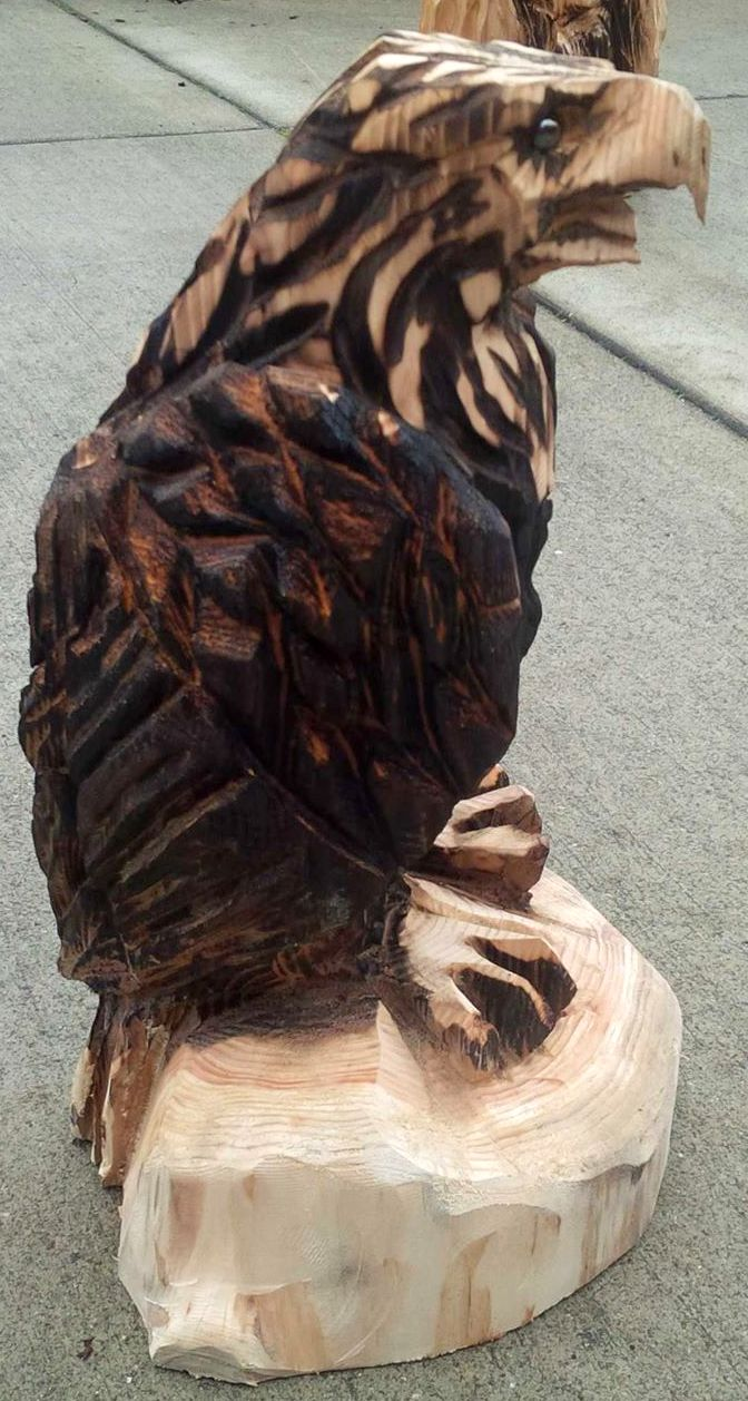 2013-12-16-Eagle-Chainsaw-Carved-Eagle-1.jpg